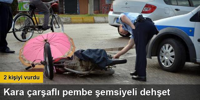 Kara çarşaflı pembe şemsiyeli dehşet