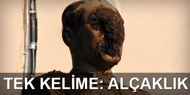 Atatürk büstüne alçak saldırı