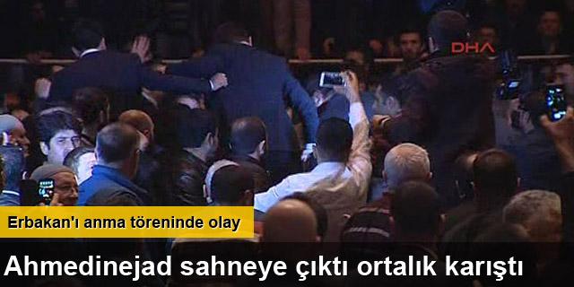 Ahmedinejad'ın konuşması sırasında salonda arbede yaşandı